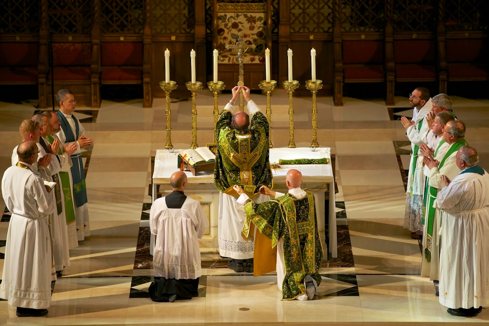 the eucharist summary From the vatican information service: the liturgical reform of vatican council ii (proposition no 2)the synodal assembly gratefully recalled the.